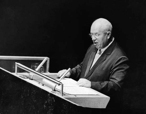 Nikita Khrushchev Speaks At UN:ニュース(壁紙.com)