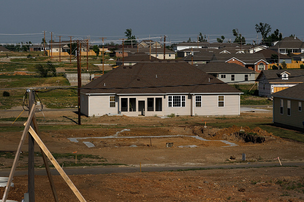 Missouri「Joplin, Missouri Marks One Year Anniversary Of Deadly Tornado」:写真・画像(6)[壁紙.com]