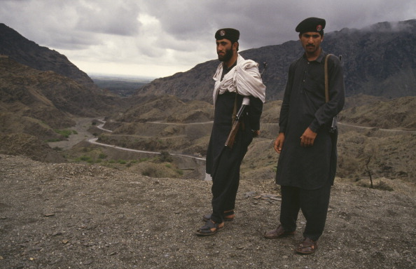 Pakistan「Soldiers Stand On The Khyber Pass」:写真・画像(15)[壁紙.com]