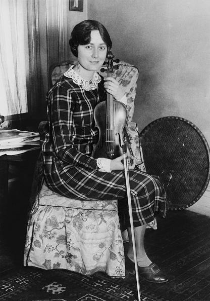 Violin「Lucille Turner」:写真・画像(3)[壁紙.com]