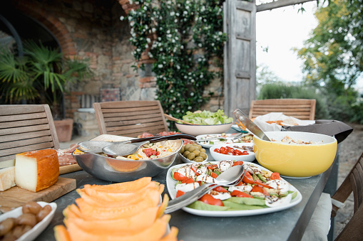 Salad「Italian Lunch at the Villa」:スマホ壁紙(1)
