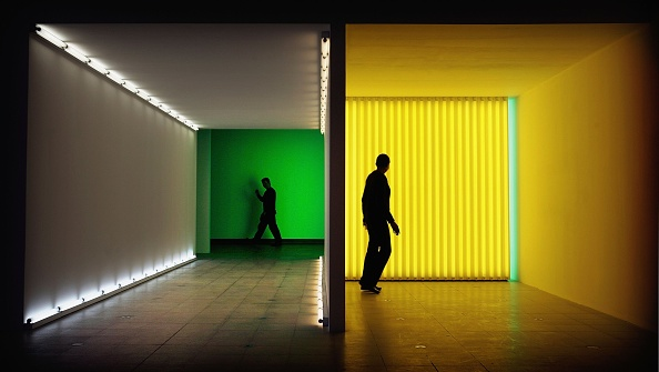 光「Dan Flavin Installation Opens At Hayward Gallery」:写真・画像(4)[壁紙.com]