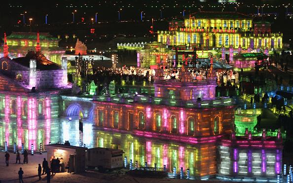 お祭り「Ice And Snow Festival Opens In Harbin」:写真・画像(4)[壁紙.com]