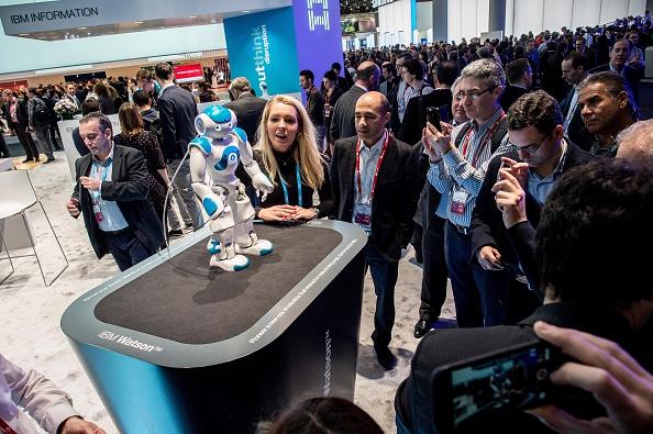 ウェアラブル端末「Mobile World Congress - Day 3」:写真・画像(16)[壁紙.com]