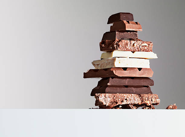 Stack of chocolate bars:スマホ壁紙(壁紙.com)