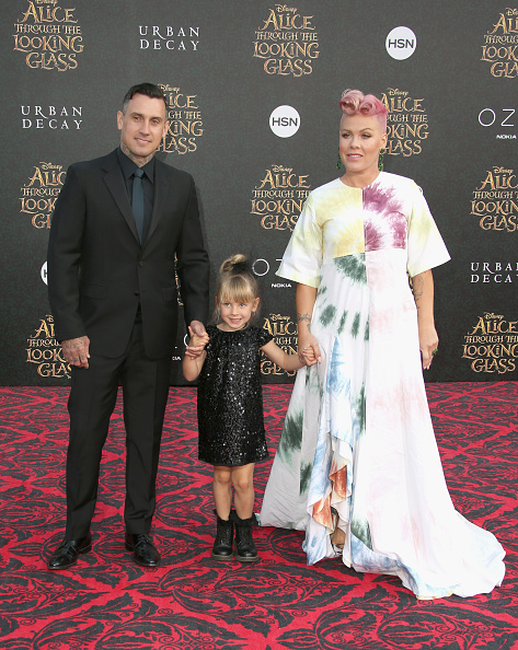 """Willow Hart「Premiere Of Disney's """"Alice Through The Looking Glass"""" - Arrivals」:写真・画像(14)[壁紙.com]"""
