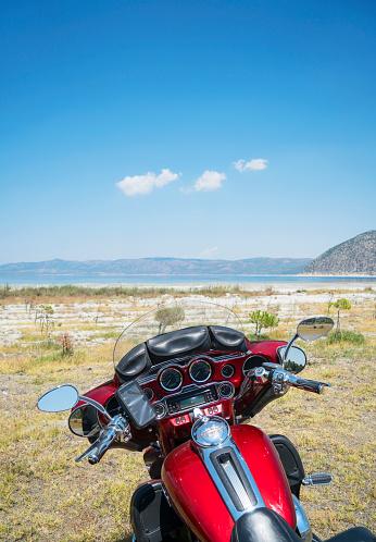 cloud「Motorcycle on the lakeshore」:スマホ壁紙(11)