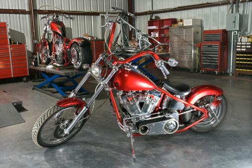 Motorcycle「Motorcycle in shop」:スマホ壁紙(1)