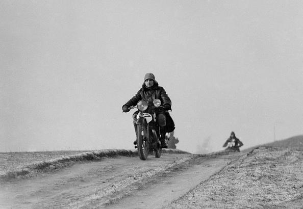 Motorsport「Motorcycle taking part in a trial, c1930s」:写真・画像(10)[壁紙.com]