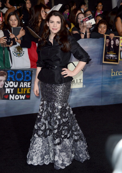 "Open Collar「Premiere Of Summit Entertainment's ""The Twilight Saga: Breaking Dawn - Part 2"" - Arrivals」:写真・画像(6)[壁紙.com]"