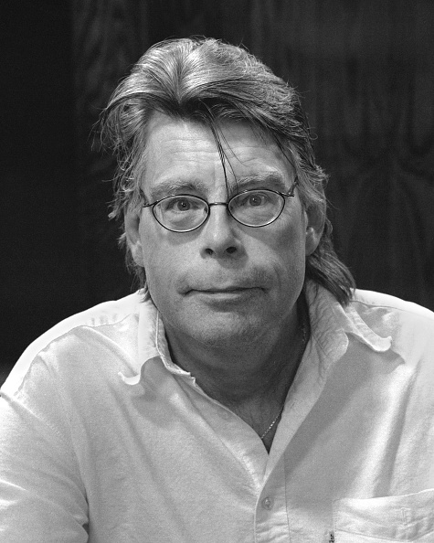 作家「Stephen King Portrait」:写真・画像(7)[壁紙.com]