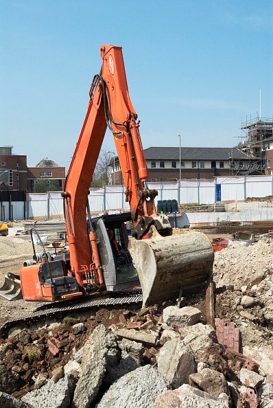 Copy Space「Caterpillar digger in action on a site, High Wycombe, UK」:写真・画像(17)[壁紙.com]