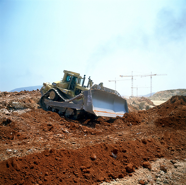 2002「Caterpillar D11N Bulldozer during construction of runway at Athens airport. Greece. .」:写真・画像(7)[壁紙.com]
