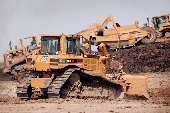 道具類「Caterpillar's 1st Quarter Profit Rises 45 Percent」:写真・画像(2)[壁紙.com]