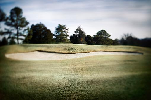 Sand Trap「Golf Flag Beyond Sand Trap」:スマホ壁紙(19)