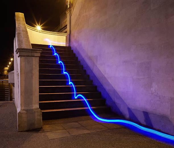 Light trail on steps.:スマホ壁紙(壁紙.com)