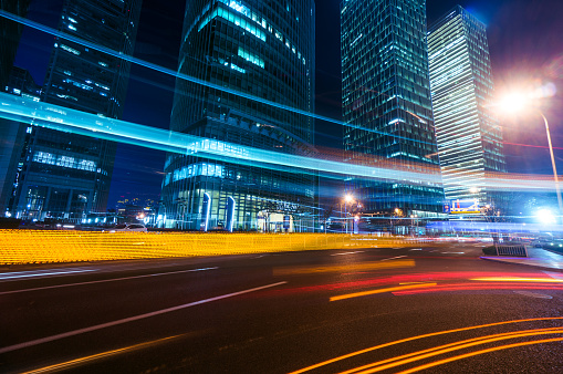 Footpath「Light trails on modern building background in shanghai」:スマホ壁紙(19)