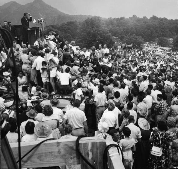 Preacher「Billy Graham Preaches On Grandfather Mountain」:写真・画像(5)[壁紙.com]