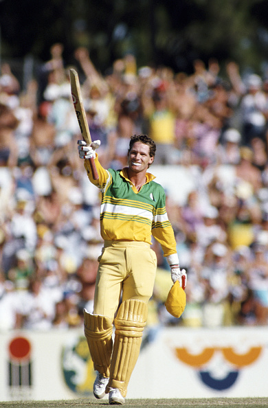Pakistan「Australia batsman Dean Jones celebrates an ODI Century Perth 1987」:写真・画像(13)[壁紙.com]
