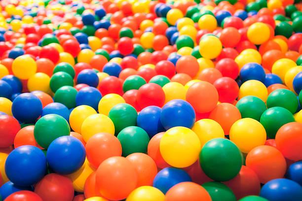 Ball pool:スマホ壁紙(壁紙.com)