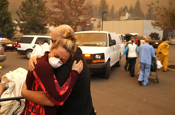 Evacuation「Rapidly-Spreading Wildfire In California's Butte County Prompts Evacuations」:写真・画像(2)[壁紙.com]