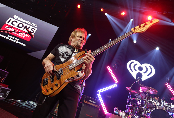 Stage - Performance Space「iHeartRadio ICONS With Sammy Hagar And The Circle: Inside The Making of Space Between At The iHeartRadio Theater LA」:写真・画像(6)[壁紙.com]