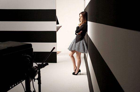 Showing Off「Behind-The-Scenes With Actress Rachel Bilson At The Chapstick Total Hydration Ad Shoot」:写真・画像(16)[壁紙.com]