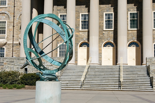 Pennsylvania「Sundial on Penn State College Campus」:スマホ壁紙(7)