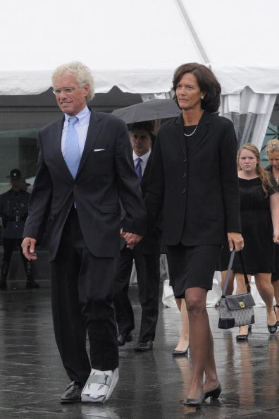 Jodi Hilton「Dignitaries, President, Family Attend Funeral Mass For Ted Kennedy」:写真・画像(3)[壁紙.com]