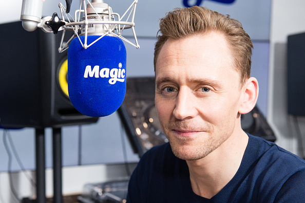 Magic Kingdom「Tom Hiddleston Visits Magic Radio」:写真・画像(5)[壁紙.com]