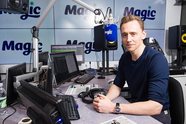 Magic Kingdom「Tom Hiddleston Visits Magic Radio」:写真・画像(6)[壁紙.com]