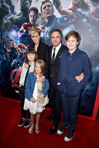 朗らか「Premiere Of Marvel's 'Avengers: Age Of Ultron' - Red Carpet」:写真・画像(13)[壁紙.com]