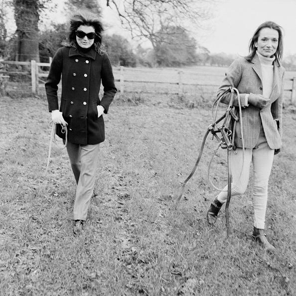 Socialite「Jacqueline Kennedy Onassis and Lee Radziwill」:写真・画像(0)[壁紙.com]