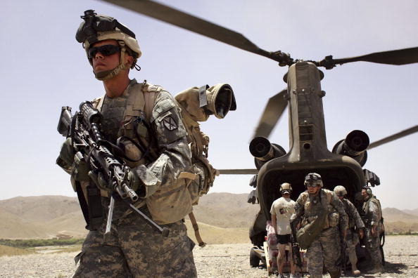 Afghan Ethnicity「U.S. Forces In Afghanistan On Anti-Taliban Operation Mountain Thrust」:写真・画像(1)[壁紙.com]