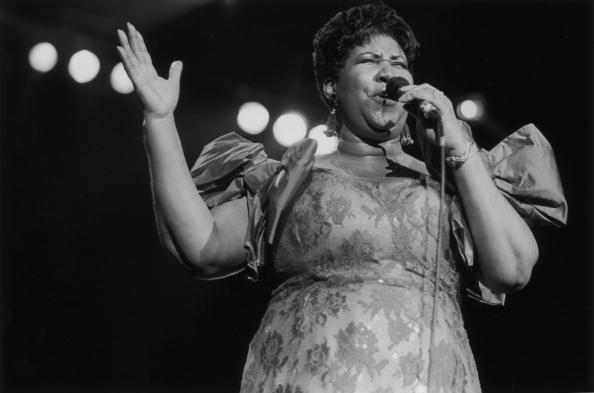 歌う「Aretha Sings」:写真・画像(7)[壁紙.com]