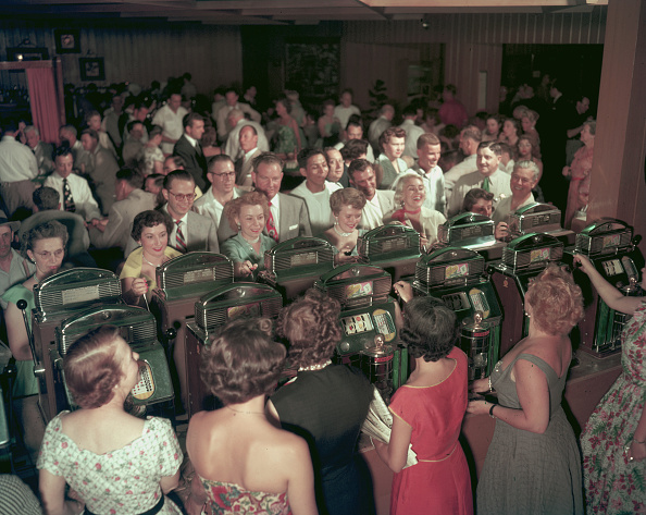 Gene Lester「Playing The Slots」:写真・画像(2)[壁紙.com]