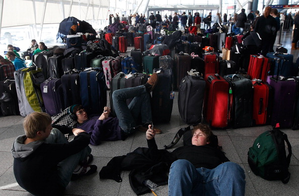 Kennedy Airport「US East Coast Begins To Dig Out After Large Blizzard」:写真・画像(4)[壁紙.com]