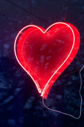 Heart「Neon Love Heart」:スマホ壁紙(17)