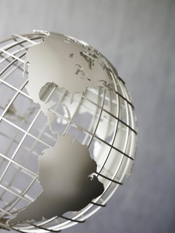 Latitude「Metal globe」:スマホ壁紙(13)