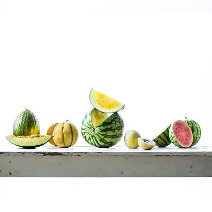 メロン「Sliced melons on table」:スマホ壁紙(17)