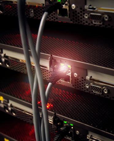 Cable「Network server connection」:スマホ壁紙(7)