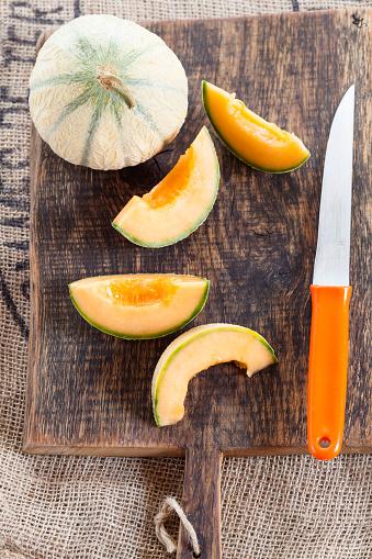 メロン「Whole and sliced Charentais melon」:スマホ壁紙(19)