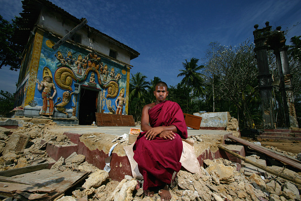 Sri Lankan Ethnicity「Sri Lankans Turn To Their Faith After Tsunami Disaster」:写真・画像(4)[壁紙.com]
