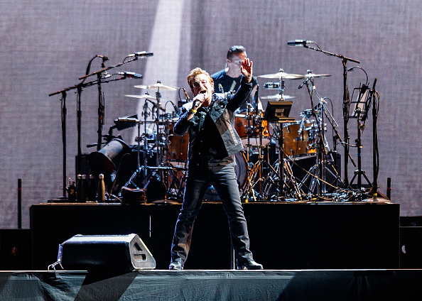 Alternative Pose「U2 Performs At BC Place」:写真・画像(12)[壁紙.com]