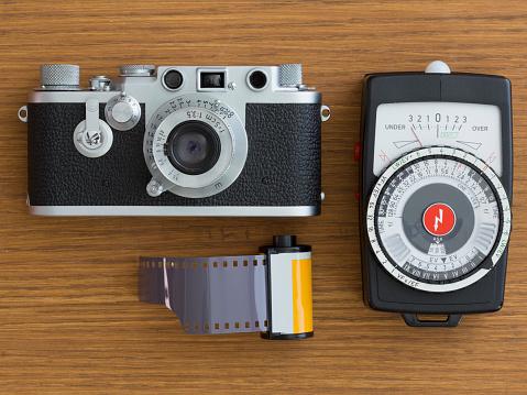 Antique「Vintage camera with film」:スマホ壁紙(2)