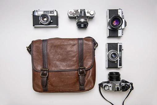 撮影テーマ「Vintage cameras with a shoulder bag」:スマホ壁紙(6)