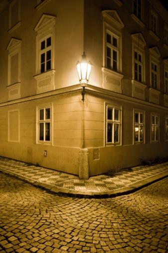 Paving Stone「Street lamp in Lesser Town at night」:スマホ壁紙(10)