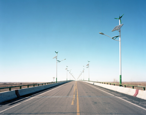 Dividing Line - Road Marking「Street lamps powered by wind & solar」:スマホ壁紙(14)