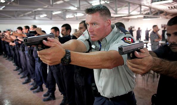 Cadet「International Group Of Police Officers Train Iraqi Police」:写真・画像(9)[壁紙.com]
