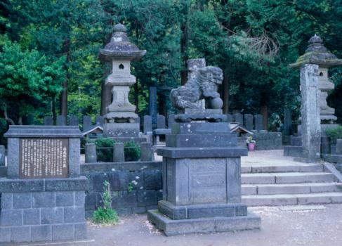 戦国武将「Grave of Byakkotai, Aizuwakamatsu, Fukushima, Japan」:スマホ壁紙(8)